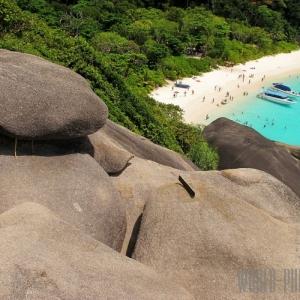 Камень на Симиланских островах в Тайланде в 80 км от Пхукета