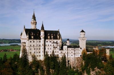 Нойшванштайн замок в Баварии Германия
