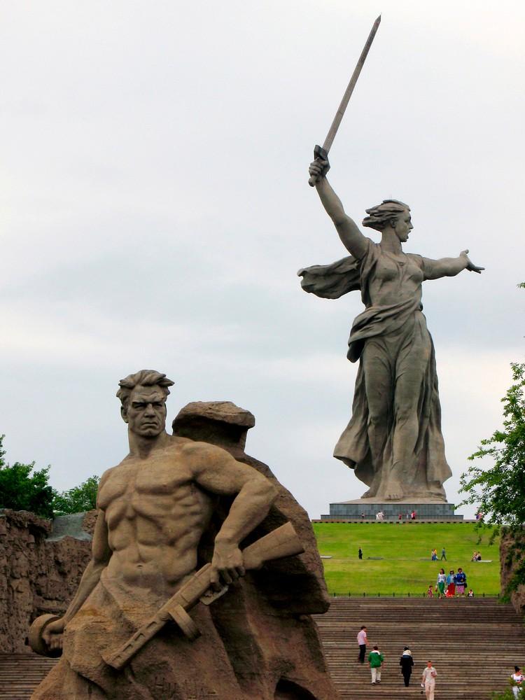 Памятники на Мамаевом кургане