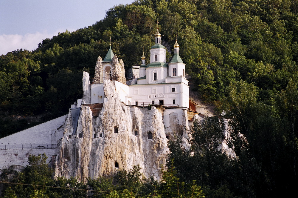 Монастырь в Славяногорске
