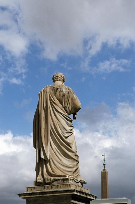 Статуя в Риме